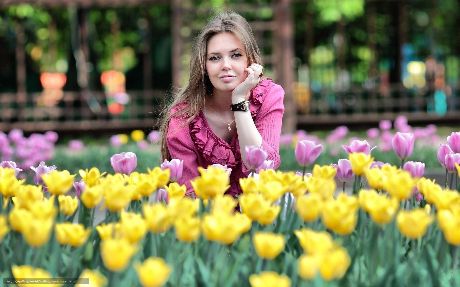 Фото женщин за 30 с цветами
