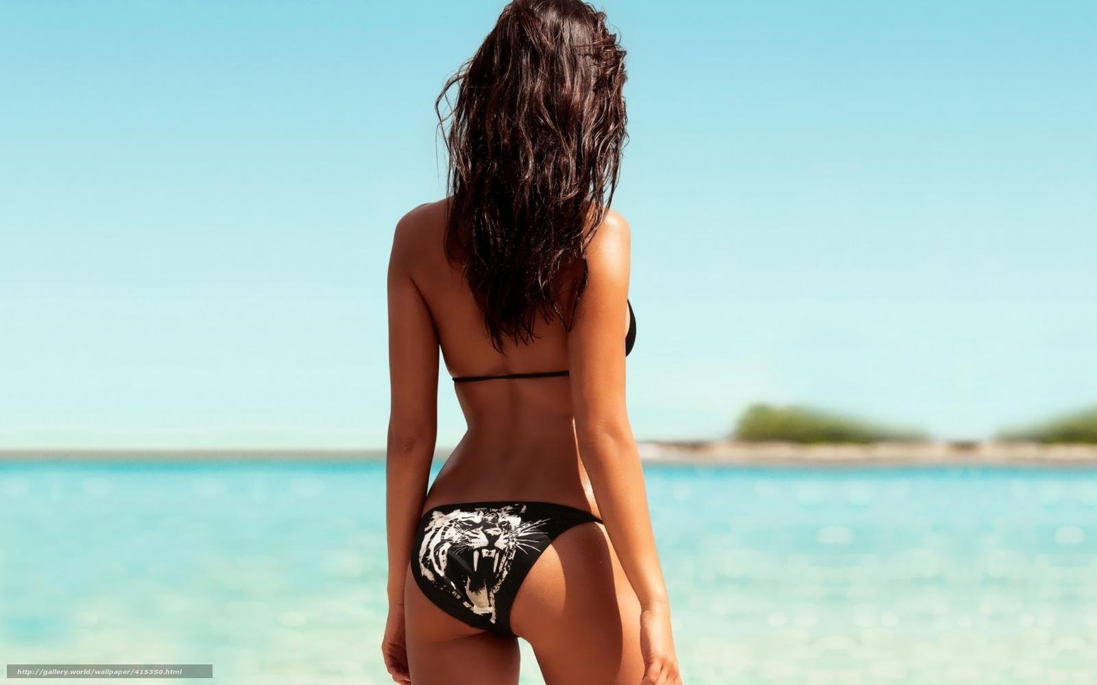 Фото со спины моделей