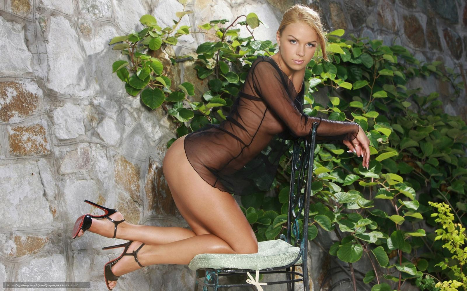 Секси женщина на стуле фото смотреть 6 фотография