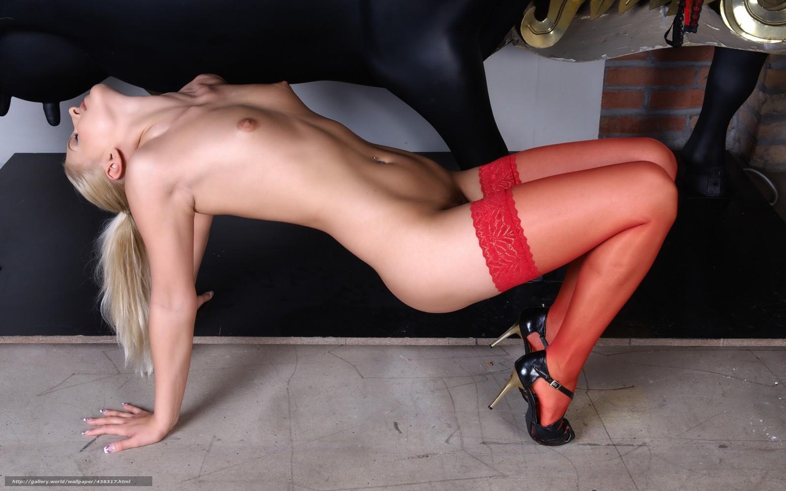 seks-devushki-na-visokih-kablukah