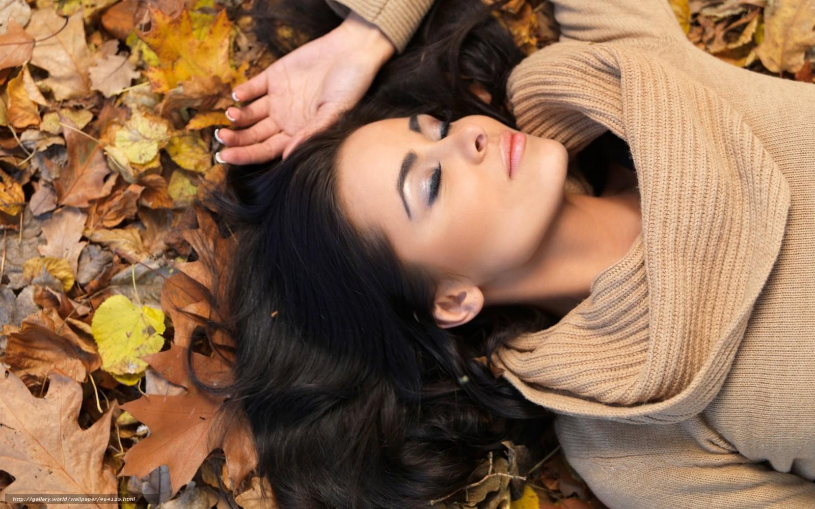 Фото красивых девушек брюнеток осенью 10 фотография