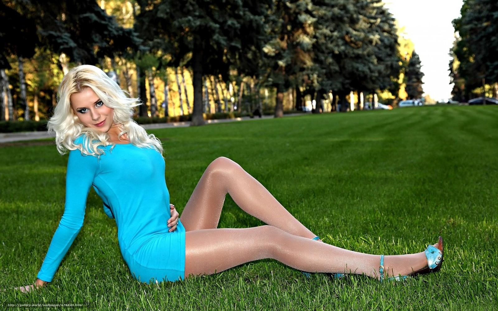 blondinka-v-gruppe-porno