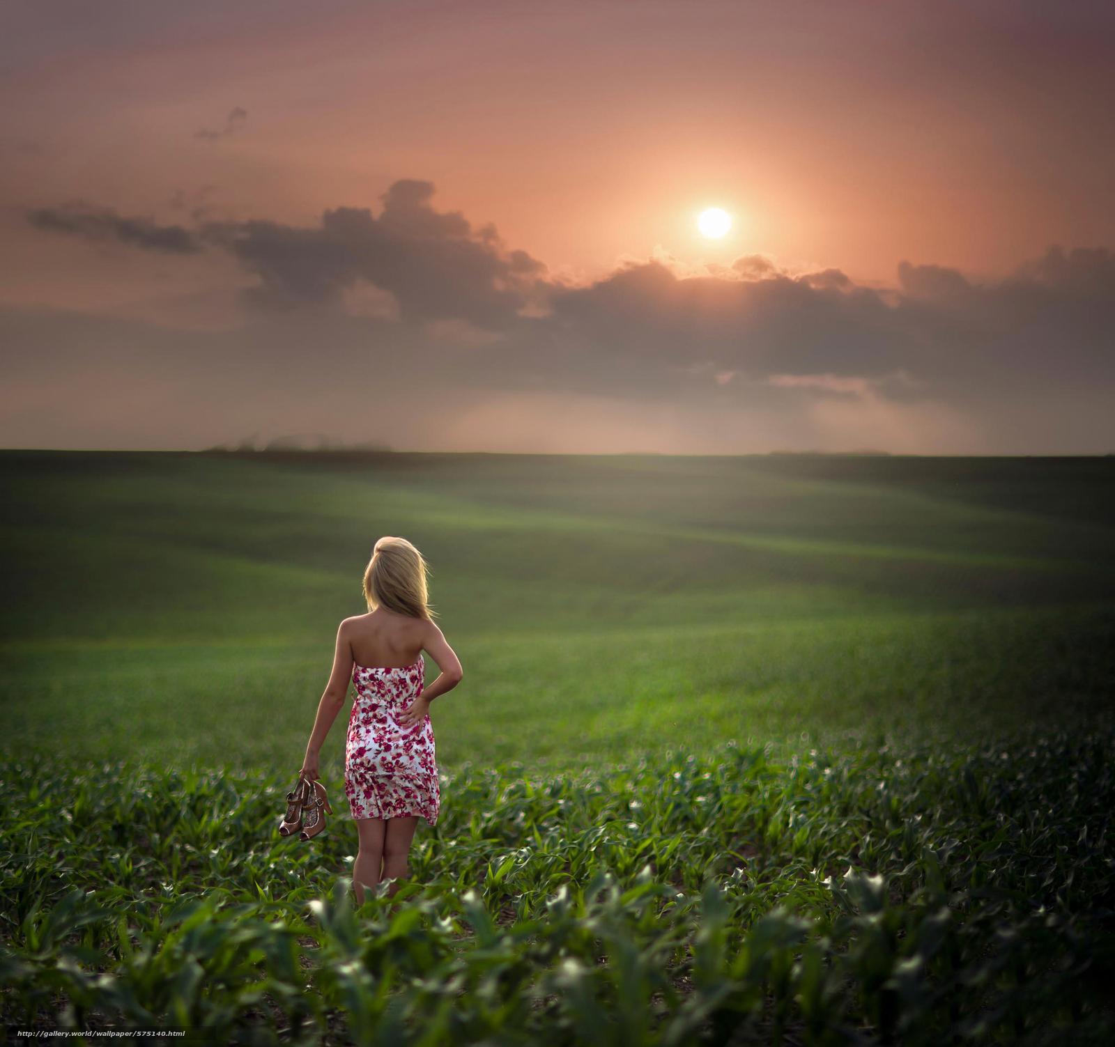 Фото девушки со спины блондинки 15 фотография