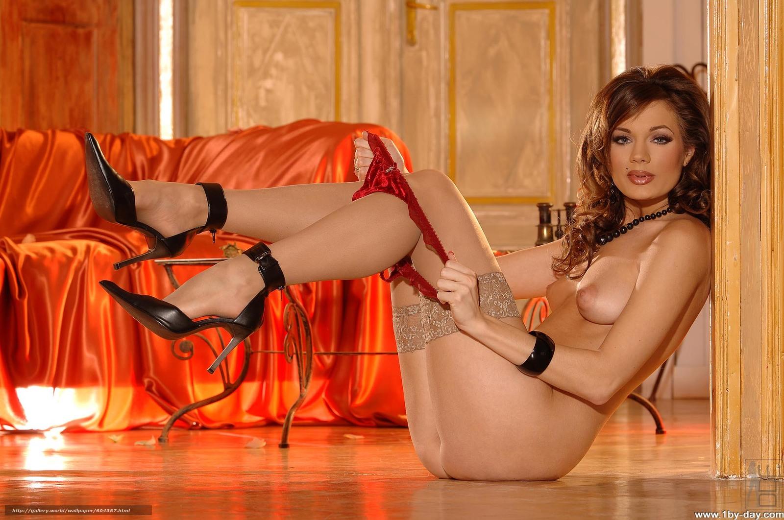 Трусики чулки белье смотреть порно 25 фотография