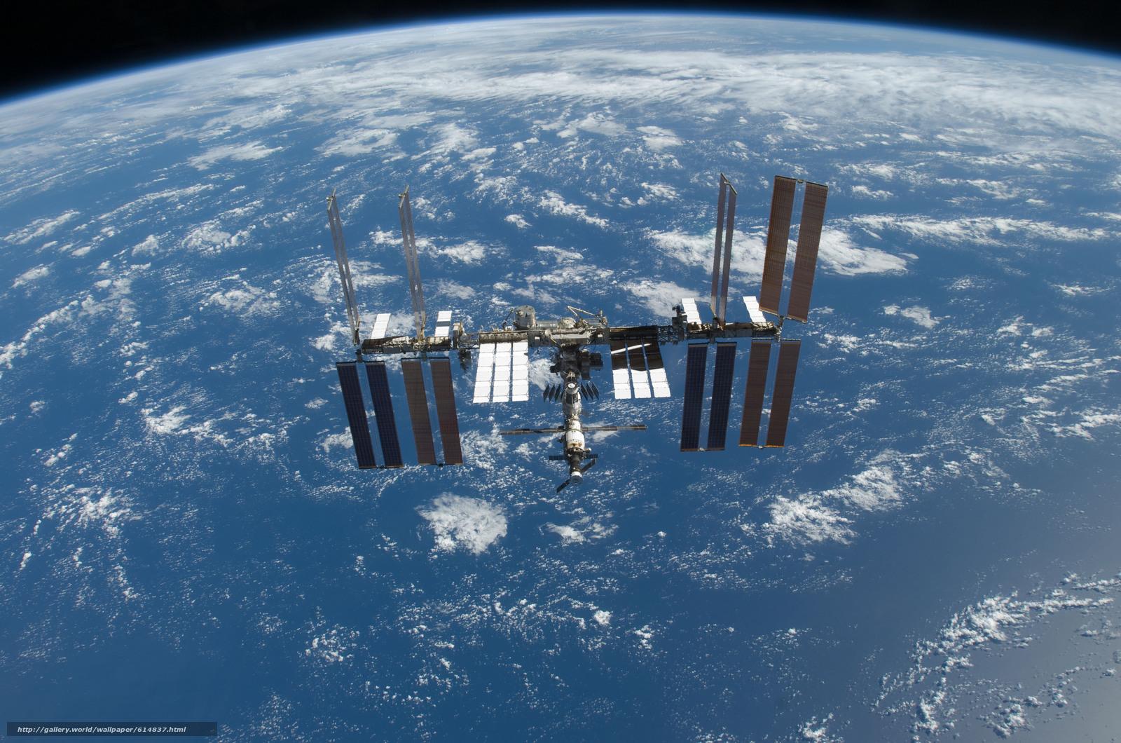 Скачать на телефон обои фото картинку на тему МКС, Земля, космос, наука, техника, орбитальная, станция, океан, облока, горизонт, полёт, разширение 4288x2840