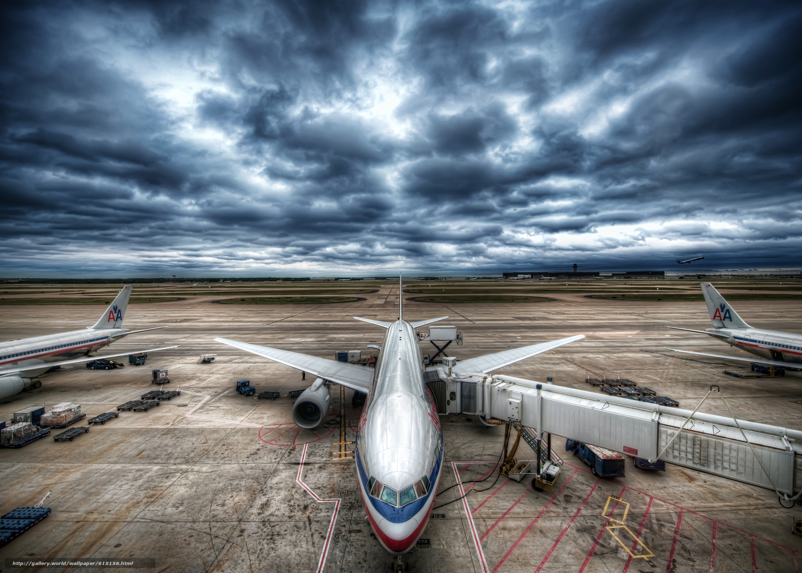 Скачать на телефон обои фото картинку на тему самолет, авиация, небо, тучи, грозовое небо, аэропорт, разширение 5593x4000