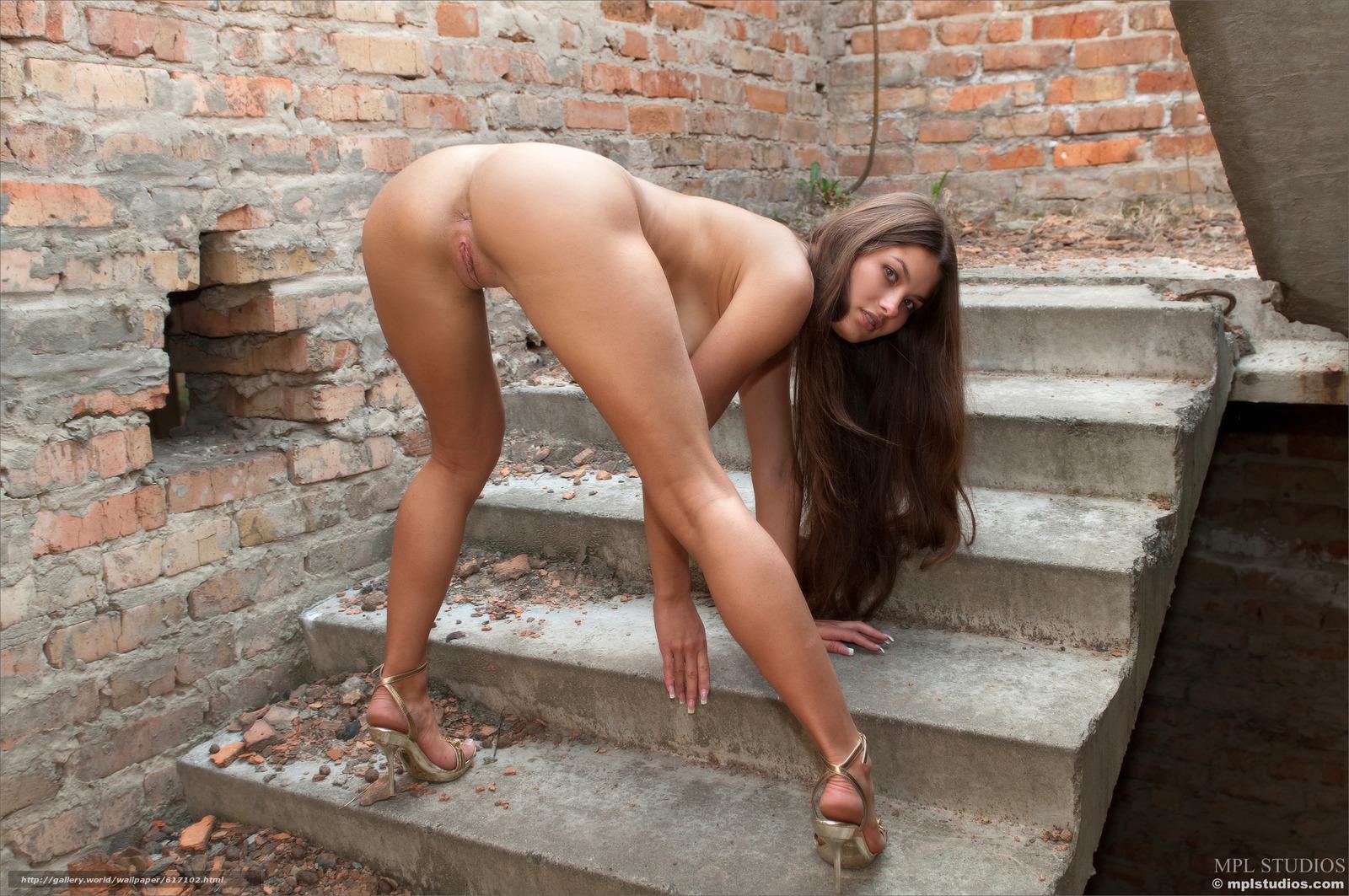 Фото красивых голых девушек длинные ноги 19 фотография