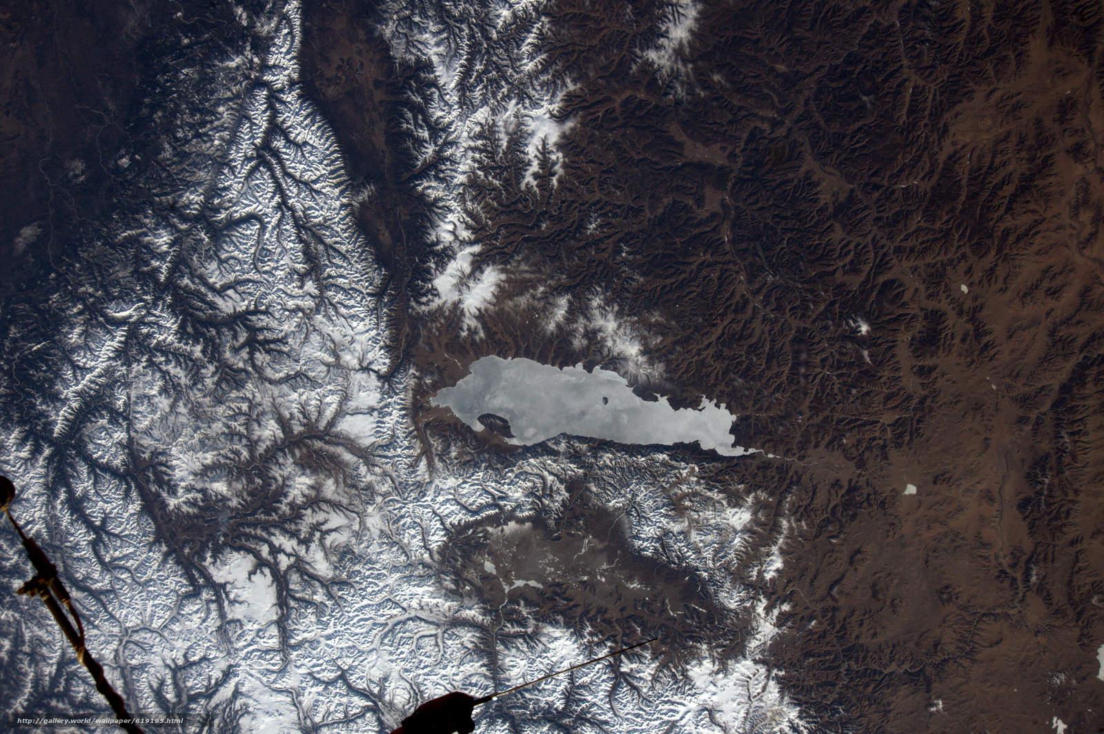 Скачать на телефон обои фото картинку на тему Озеро Хубсугул, Монголия, горы, Змля, космос, разширение 6080x4044