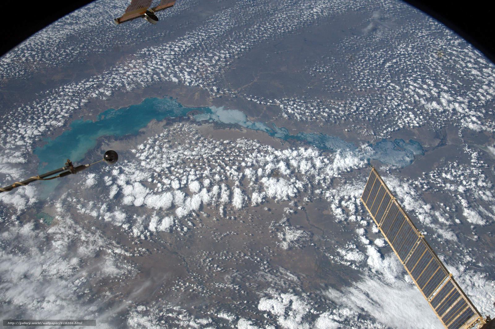 Скачать на телефон обои фото картинку на тему Озеро Балхаш, Казахстан, МКС, Земля, космос, разширение 6080x4044
