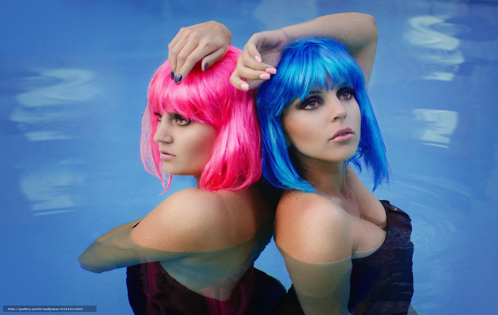 Скачать на телефон обои фото картинку на тему дуэт, поза, парик, рука, вода, разширение 3600x2276