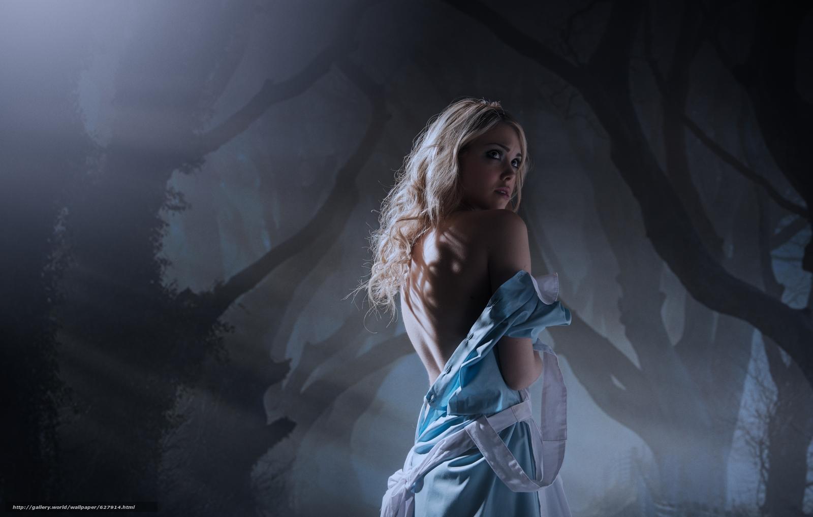Скачать на телефон обои фото картинку на тему Alice in Wonderland, девушка, платье, спина, лес, разширение 10580x6731