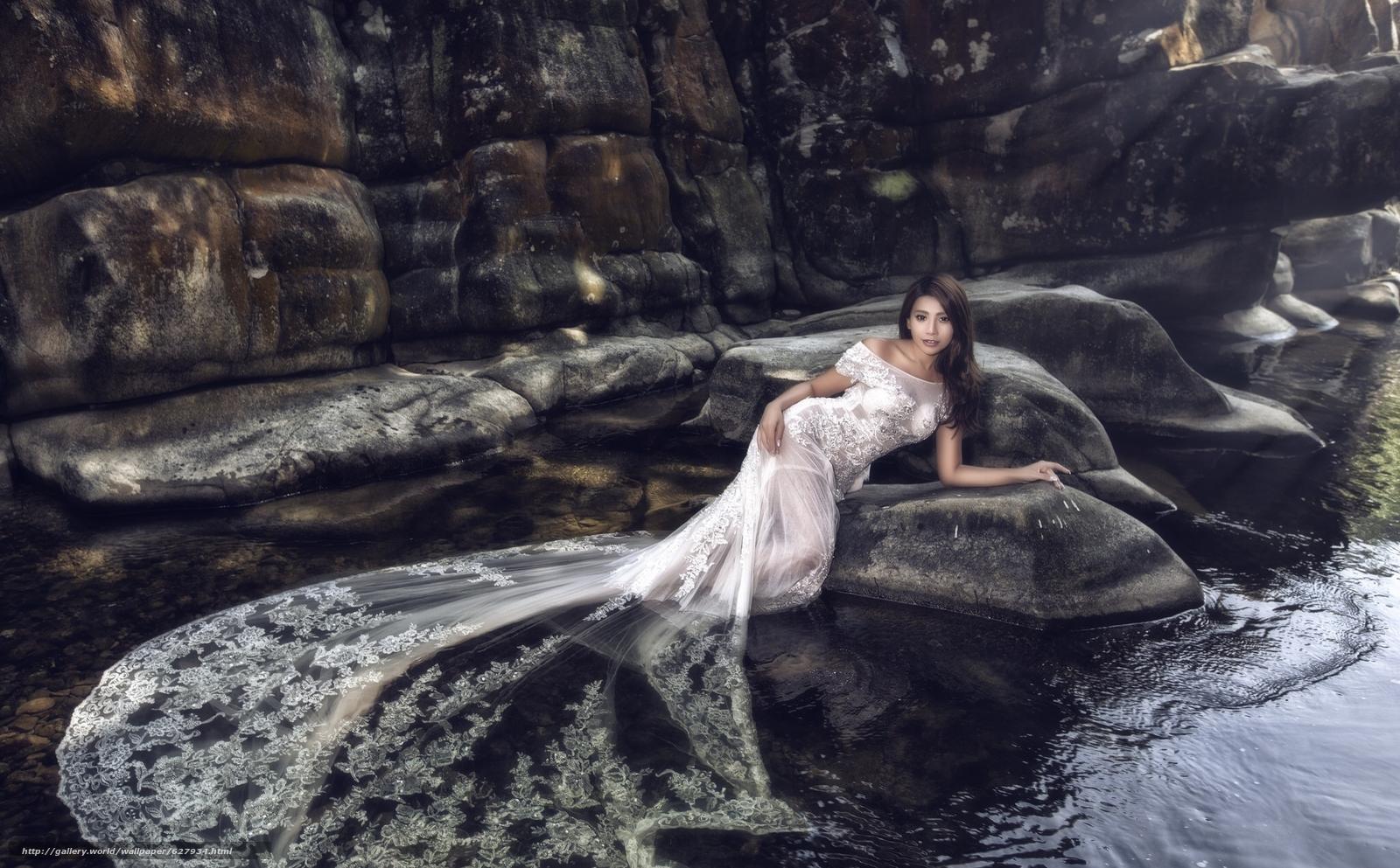 Скачать на телефон обои фото картинку на тему азиатка, невеста, свадебное платье, платье, вода, камни, разширение 2048x1271