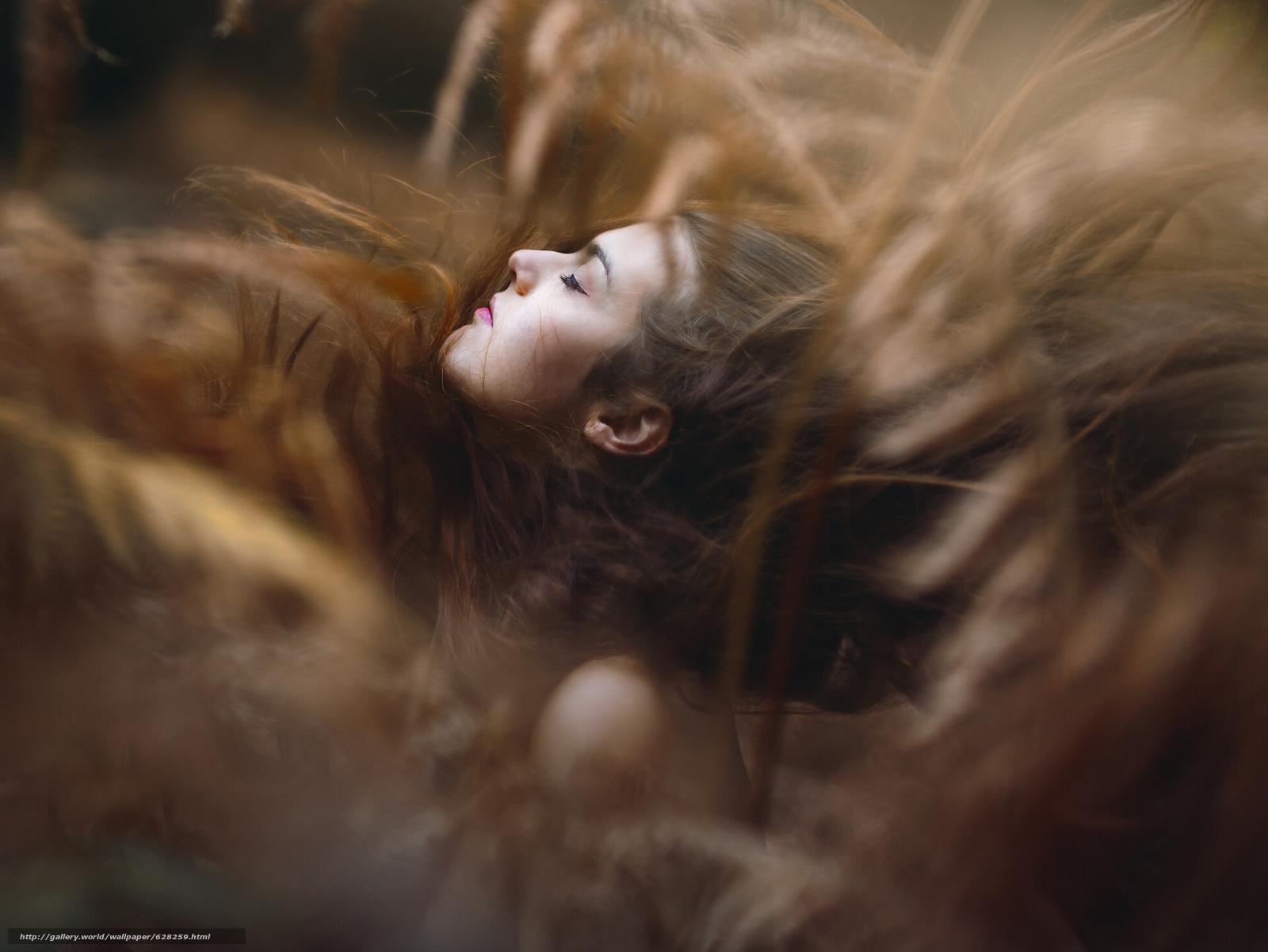Скачать на телефон обои фото картинку на тему девушка, лицо, волосы, настроение, боке, разширение 1920x1441