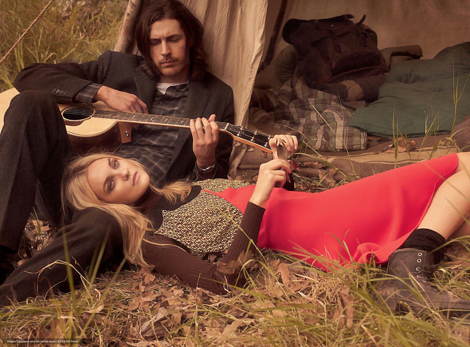 Обои Hozier, Caroline Trentini, музыкант, модель, гитара, настроение