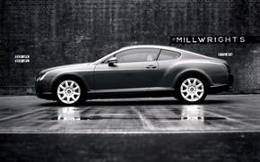 Bentley, in bianco e nero, muro
