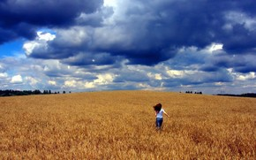 ragazza, campo, nuvole, rabbia