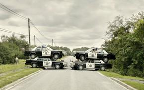 Cops, Autos, Hinterhalt