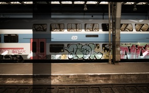 Metro, graffiti