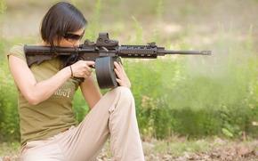 girl, carbine