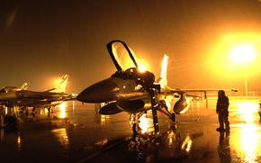 f-16, falco, pioggia
