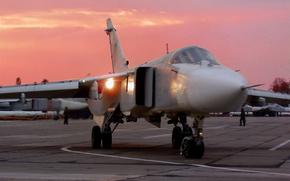 самолет, бомбардировщик, СУ-24М, рулит на взлет, закат