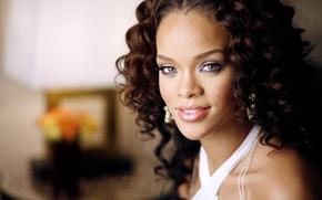 singer, curls, blurring