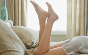 ноги,  пяточки,  постель,  утро,  подушки,  платье,  окно,  часы,  настроение,  обои,  фото