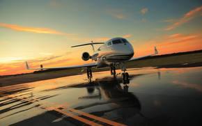 Civil, Aviacin, reactivo, avin, Business Class, foto, las nubes, cielo, puesta del sol, tarde, campo de aviacin