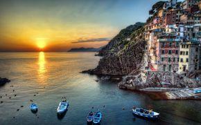 море,  скалы,  дома,  закат,  солнце,  лодки