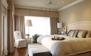 интерьер,  спальня,  красиво,  дизайн,  кровать,  подушки,  завтрак в постель,  лампа,  люстра,  шторы,  кресло,  комната