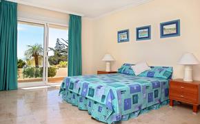 intrieur, conception, chambre  coucher, se tenir debout, lampe, image, fentre, balcon, rideaux, belle vue, sous-vtements bleus, oreiller