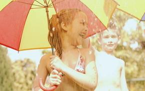 дети,  ребенок,  малышка,  девочка,  мальчик,  зонтик,  дождь,  радость,  веселье