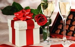 Праздник, подарок, шампанское, бокалы, роза, конфеты, шоколодные, сердечки, коробка, лента, День рождения, День Святого Валентина