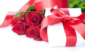 праздник, день святого валентина, день всех влюбленных, любовь, чувства, цветы, розы, красные, подарок, коробка, упаковка, бантик, лента, атлас, шелк
