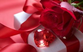 праздник, день святого валентина, день всех влюбленных, любовь, чувства, цветы, роза, красная, подарок, коробка, упаковка, бантик, лента, атлас, шелк, драгоценный, камень, рубин