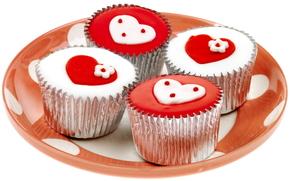 праздник, день всех влюбленных, сладости, пирожное, сердце, сердечки, чувства, день святого валентина, красный, белый, вкусно