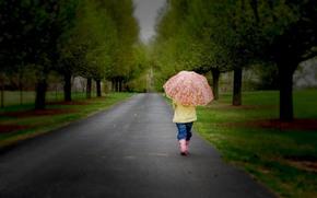 маленькая девочка, ребенок, дети, детство, зонтик, дорога, одинокий, деревья, природа, грусть