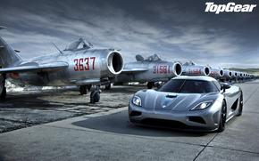 Top Gear, Top Gear, la mejor demostracin de la TV y la revista, Kenigsegg, Ager, Supercar, hipercoche, frente, luces, aeronave, combatientes, cielo, Supercars