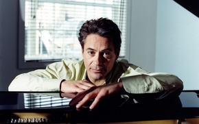 Robert Downey Jr., actor, Piano