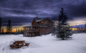 Зима, снег, вечер, сумерки, закат, лес, небо, тучи, деревья, елки, деревянный, домик, столик