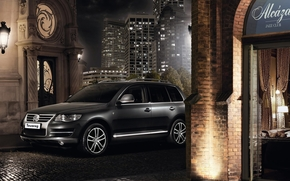 Volkswagen, Tuareg, dzhip.vnedorozhnik, anteriore, nero, citt, notte, edificio, porta, Volkswagen