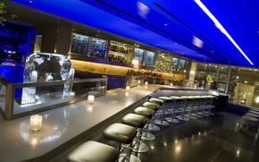 барная стойка, бар, свечи, стулья, алкоголь, подсветка