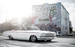 шевроле, импала, белая, кабриолет, улица, граффити, блик, Chevrolet