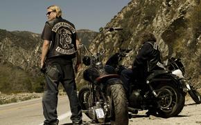 Biker, Moto, Bike, Sons of Anarchy, anarchy, motorcycle, totsyk, moped, motor, motorbike, skin, heavy, metal, chrome, jeans, landscape, Mountains, asphalt, Hero of asphalt, abruptly, Krut, moscha, Chopper, CHOPPER, chepper, series