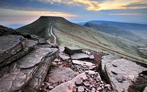 Montagnes, Hills, Rocks, noyaux, valle, ciel