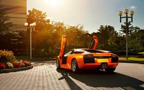 ламборджини, ламборгини, мурселаго, оранжевый, открытые двери, ламбо двери, фонарный столб, цветы, брусчатка, блик, Lamborghini