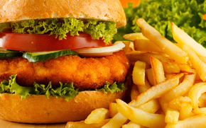 гамбургер, картофель фри, зелень, огурец, помидор