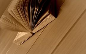 libri, tavolo, stato d'animo