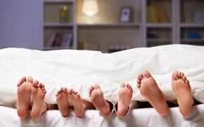 ступни, пяточки, одеяло, постель, полки, семья