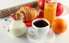 завтрак, кофе, молоко, апельсин, сок, круассан, яблоки, чашка, белая, блюдце, кувшин